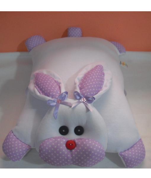 Coelha branca lilás