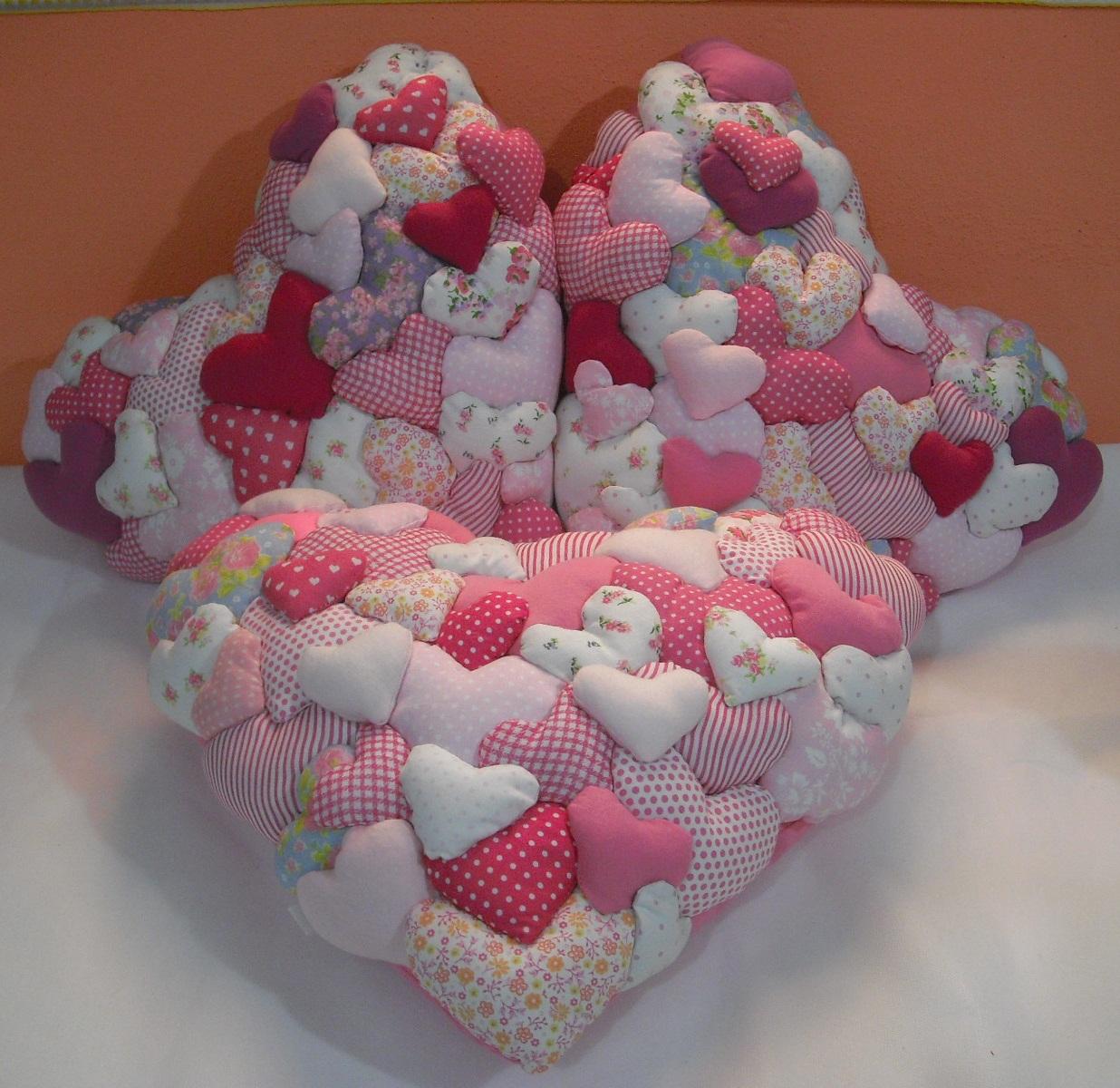 ba4e9467029218 Almofada Coração In Love Rosa