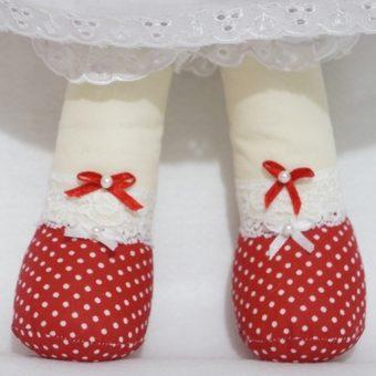boneca irene pé